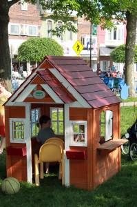 kinderhoek-play-house-jump-pella